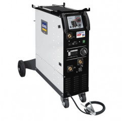 T3 GYS AUTO,15-200 A, 400 V-3-ph. ,Drahtrolle 0,6/0,8mm,0,8/1,0mm, 2 Brenner 150A 3m, Massekabel 3m